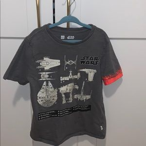 Gap boy's Star Wars tshirt (glow in dark)